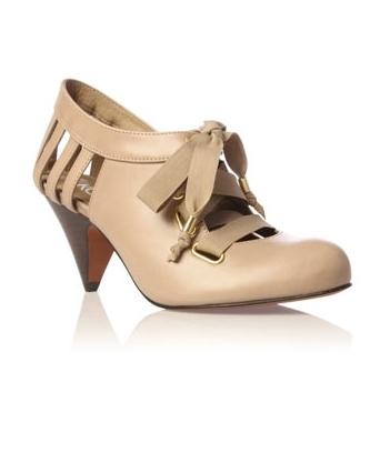 Beige shoe